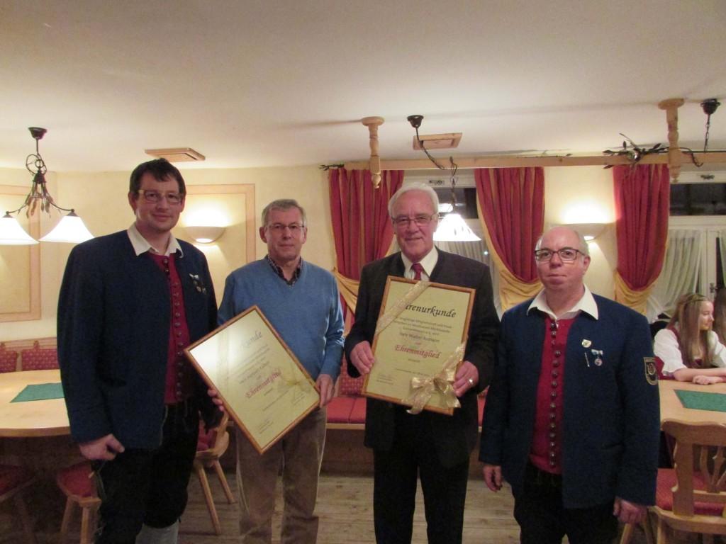v. l. n. r.: Reinhard Mayr (2. Vorsitzender), Herbert Kailich, Walter Aumann, Bernhard Christl (1. Vorsitzender)
